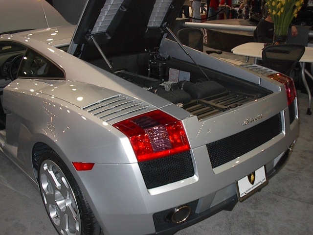 rear_engine_silver_lamborghini